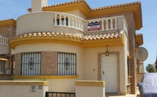 ** REDUCED OFFER FOR THE SUMMER REDUCED BY A FURTHER €15,000!! ** 3 Bed 2 Bath Villa For Sale In Roldan.