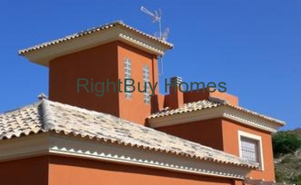 4 Bed Villa in La Manga. Only €319,000!