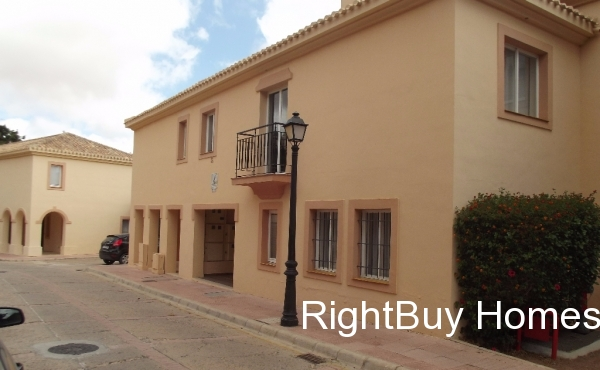 Studio townhouse in La Manga Club with a limited time offer guaranteeing 6% returns on your rental income for 4 years.