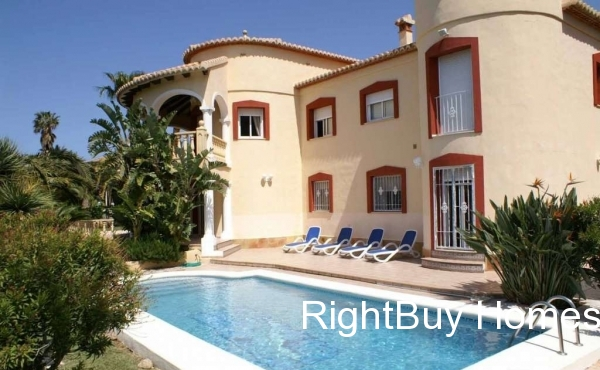 Majestic villa with sea views for sale in Denia, Alicante