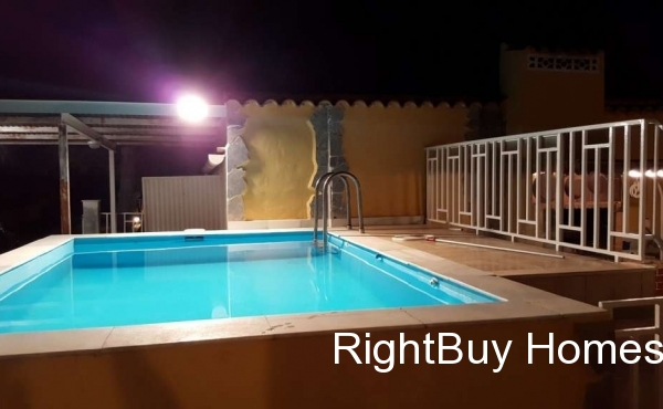 Well presented country house for sale in Hondon de las Nieves, Alicante