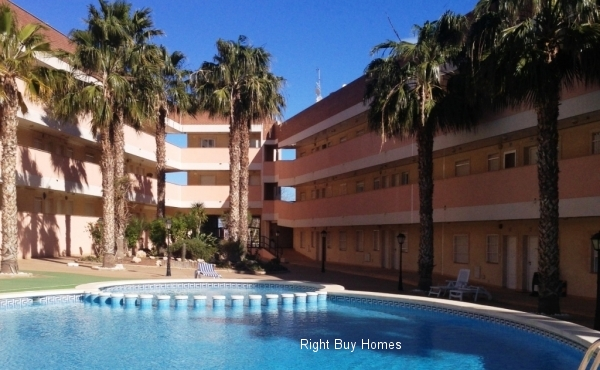 2 bed 2 bath apartment in Los Nietos with sea views!