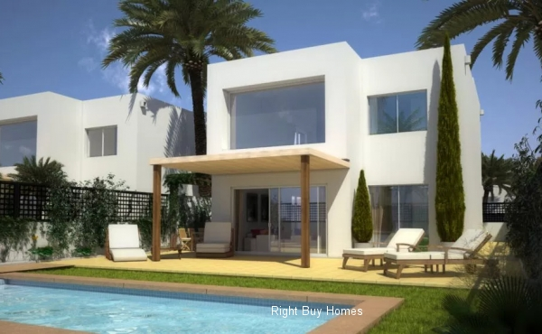 3 bed villa for sale in Mar De Cristal 400M from the beach