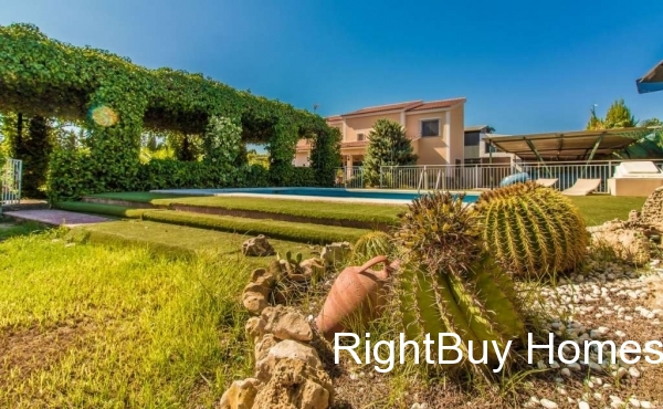 Stunning 7 bedroom luxury villa for sale in Matola, Elche, Costa Blanca