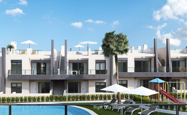 2 bed 2 bath new build ground floor south facing apartments in gated community and 2 min walk to the beach