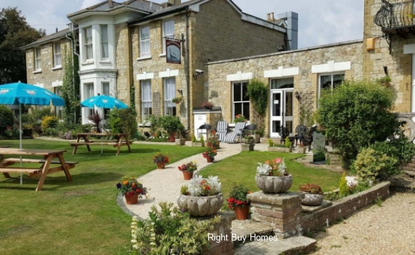 Luxury care resort in Sandown, Isle of Wight. Prices from £79,950!