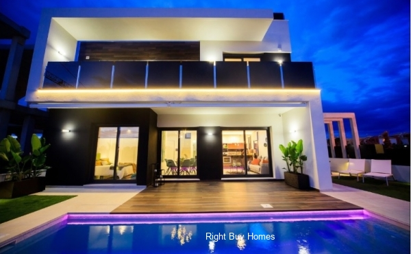 New build villa with private pool in Cabo Roig