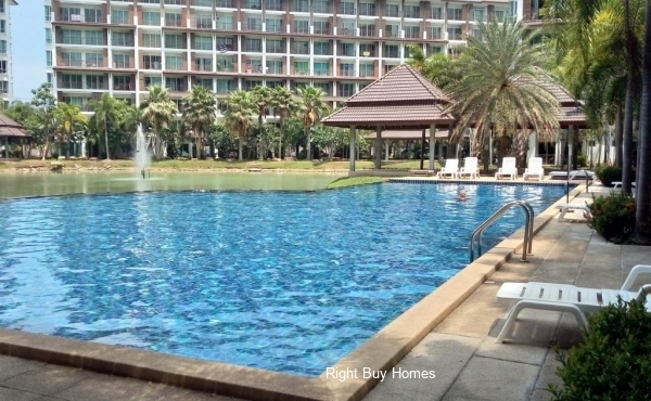 FULL FREEHOLD OWNERSHIP 1-bedroom condominium investment in world famous Pattaya, Thailand with fixed assured returns of 8% for first 3 years. Expected 10% plus per annum after year 3 in keeping with current market.
